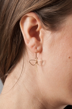 by boe bow earrings