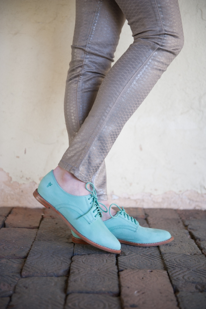 turquoise frye oxfords