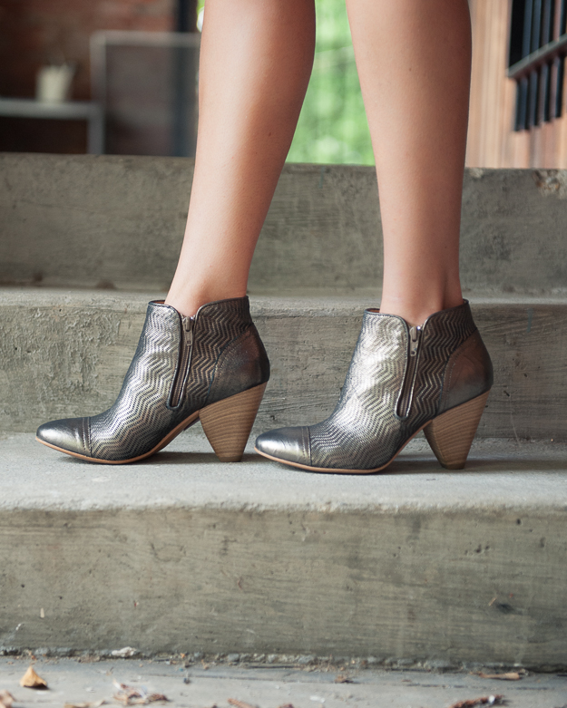 What Shoes To Wear With A Maeve Shift Dress