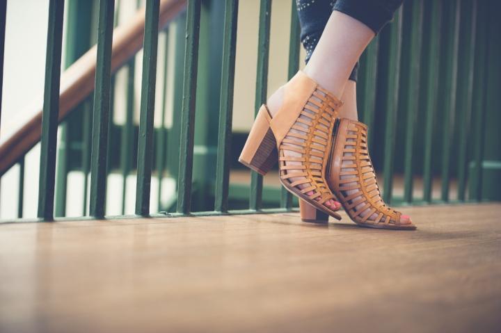 dv cage heels