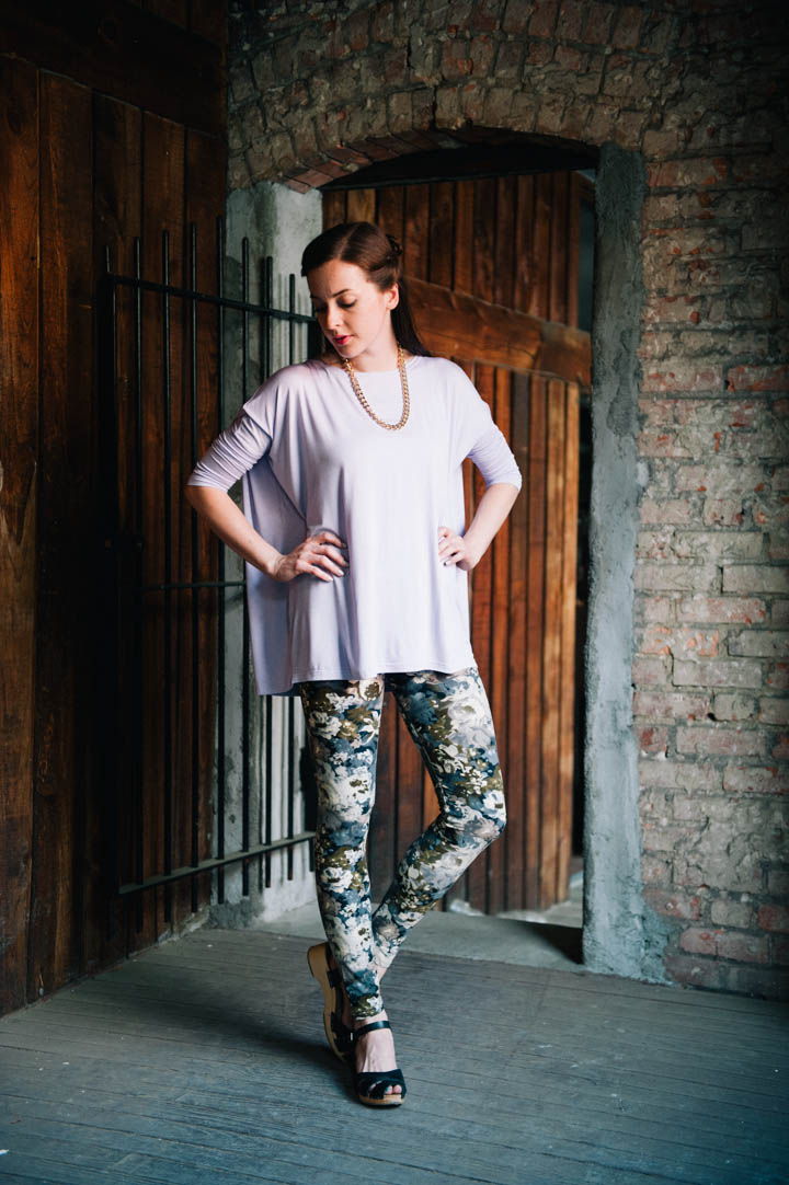 piko_tops_graphic_leggings-3