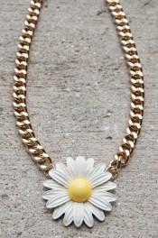 Ups-a-daisy Necklace