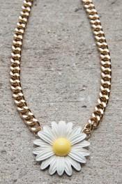 Ups-a-daisy Necklace