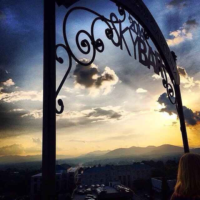 A must for your Asheville summer bucket list? Sunset drinks at Sky Bar! Great shot @catherinehofmann!